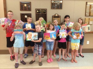 Cover photo for 4-H Club Donates Books for Summer Reading
