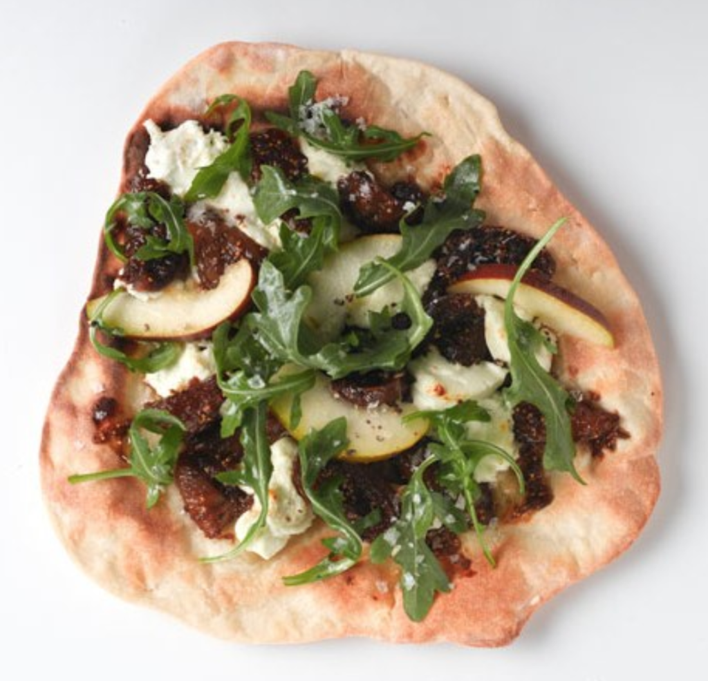 homemade fig pizza