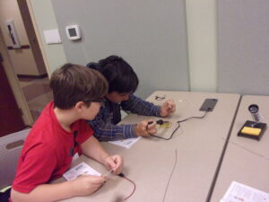 students work on STEM project